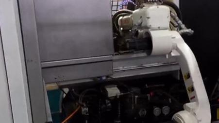 江苏某客户机器人用于机床上下料配S80系统